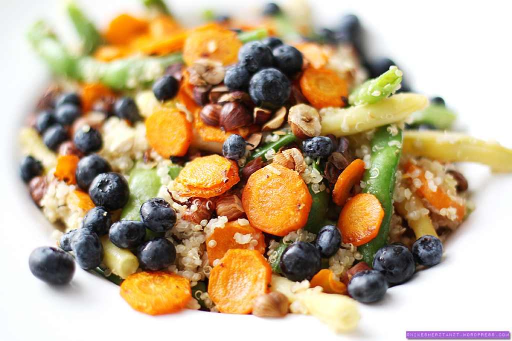 bohnen, quinoa & möhren salat