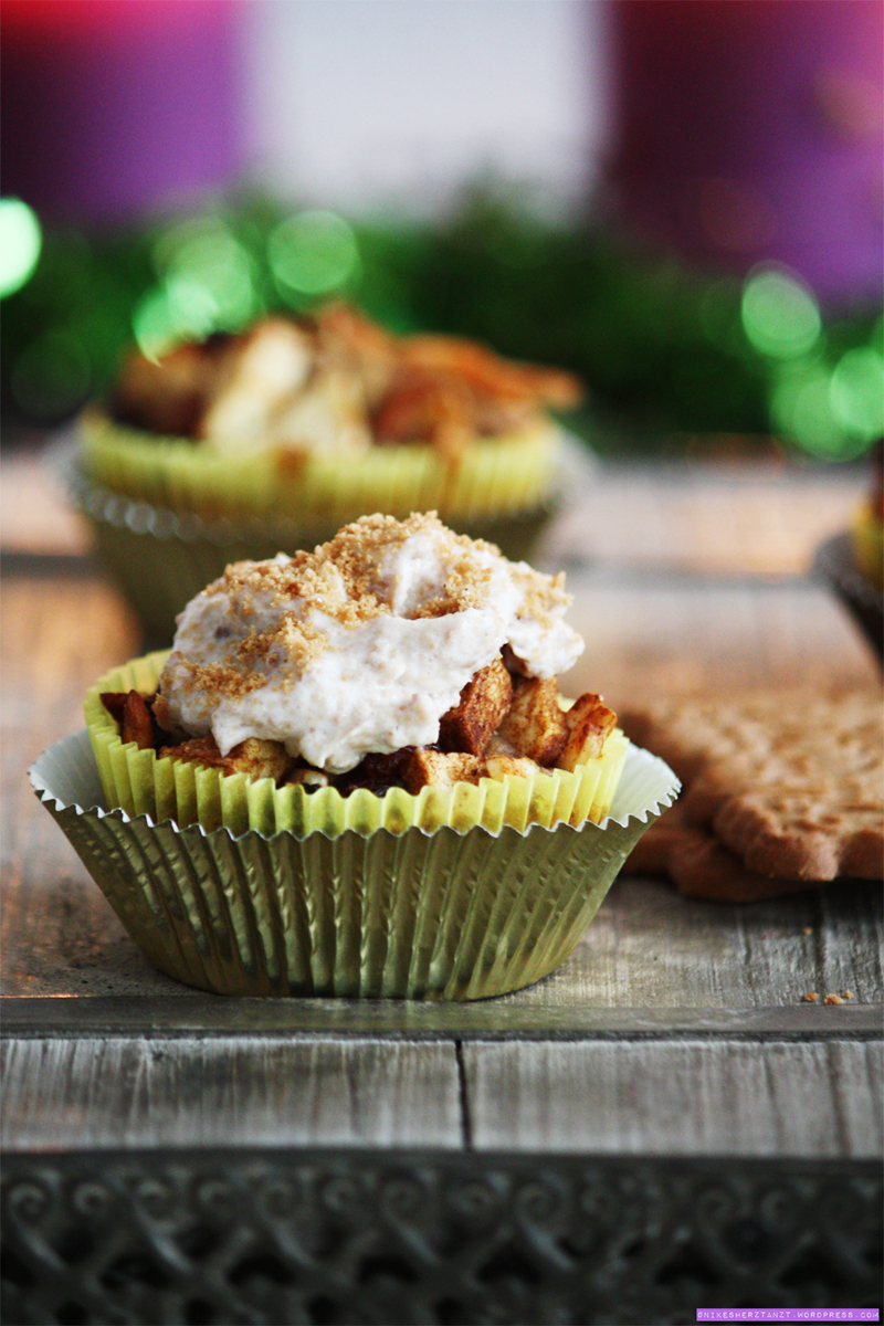 bratapfel cupcakes mit spekulatius-sahne, vegan, apfel-kirsch-punsch, nikesherztanzt, food, blog, cupcakes.