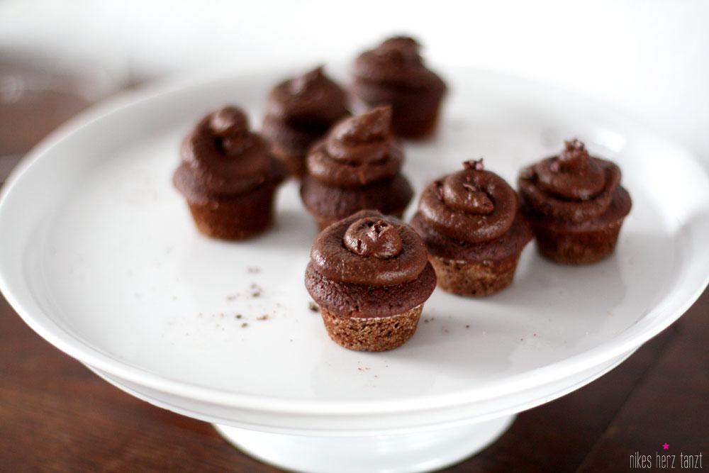 schokoladen avocado cupcakes, nikesherztanzt, food, blog, vegan, no sugar, zuckerfrei,