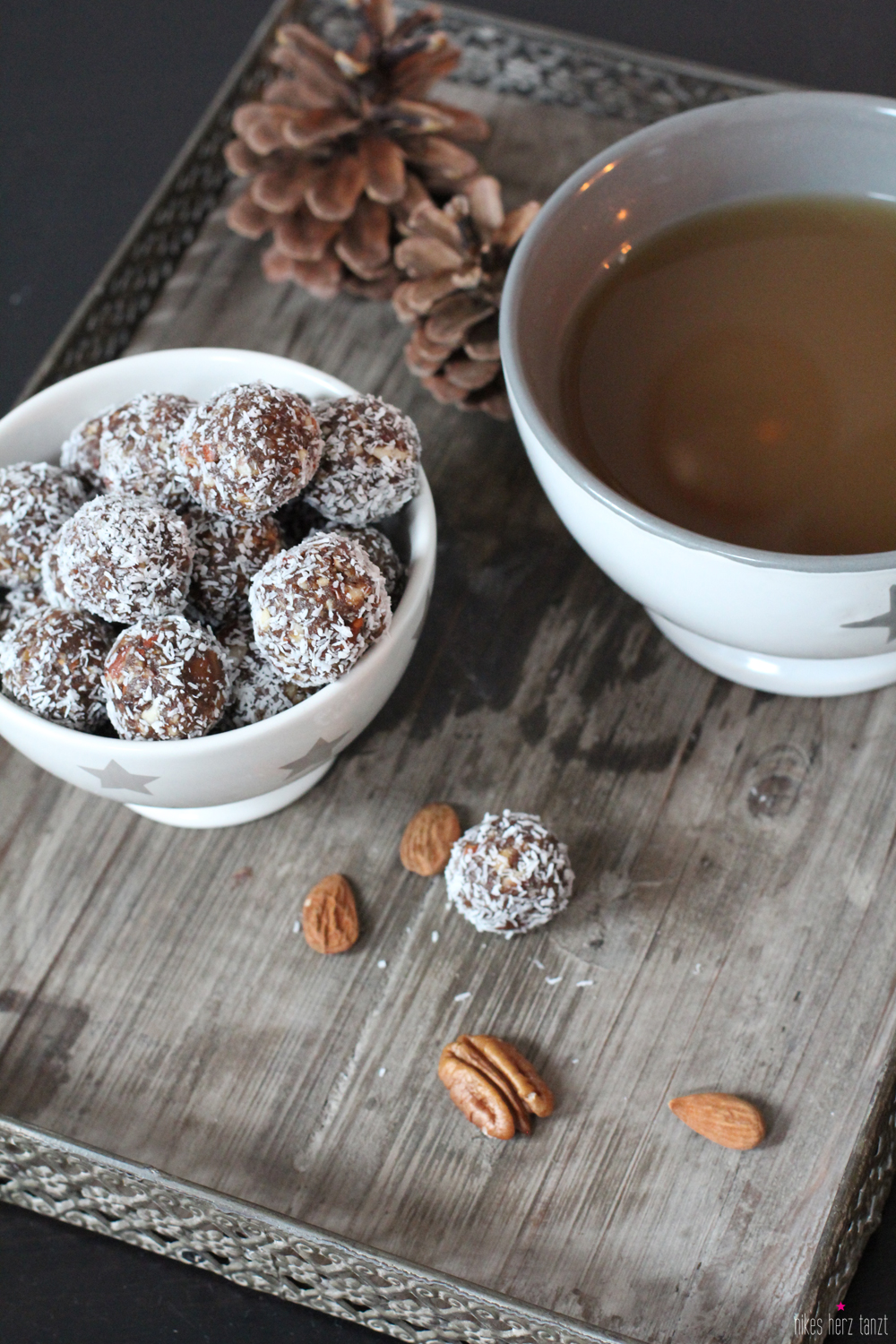 gingerbread cookie balls.