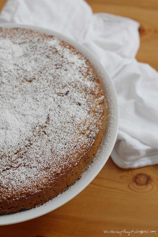 möhrenkuchen, karottenkuchen, rübli, vegan, sonntagssüß, backen, kuchen, food, blog, nikesherztanzt