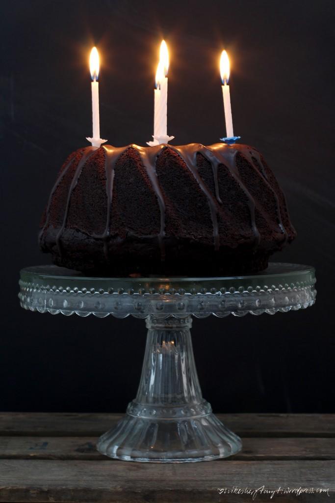 schokolade, kuchen, schokokuchen, kerzen, geburtstagskuchen, nikesherztanzt, kein kuchen ist auch keine lösung