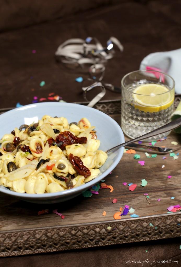 neujahr, pasta, aglio e olio, kapern, schwarze oliven, fenchel, hangover, nikes herz tanzt