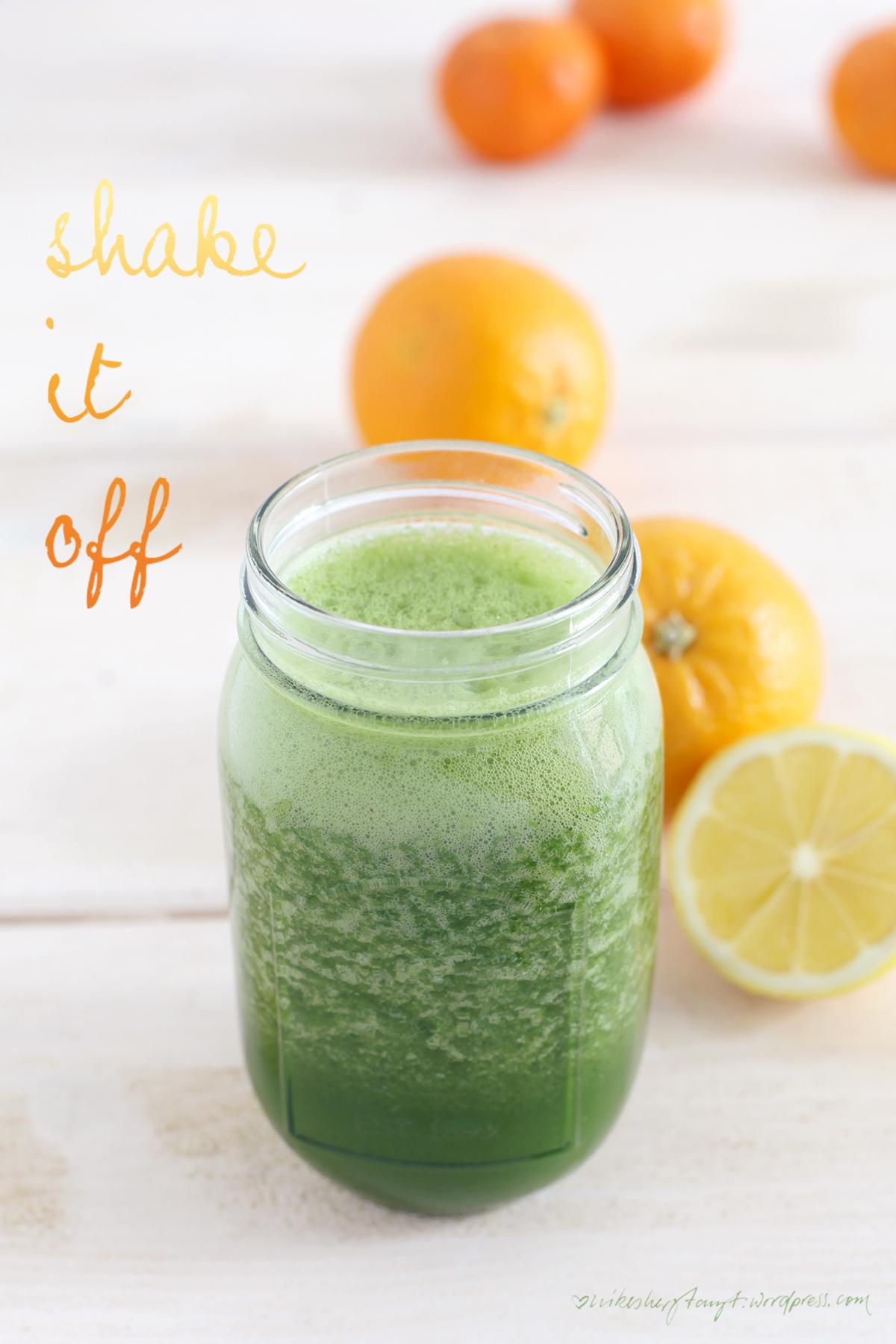 zuckerfrei ins neue jahr,green smoothie, grüner saft, detox, eat your greens, clean eating, vegan, orange, zitrone, minze, grünkohl, weizengraspulver, nikesherztanzt