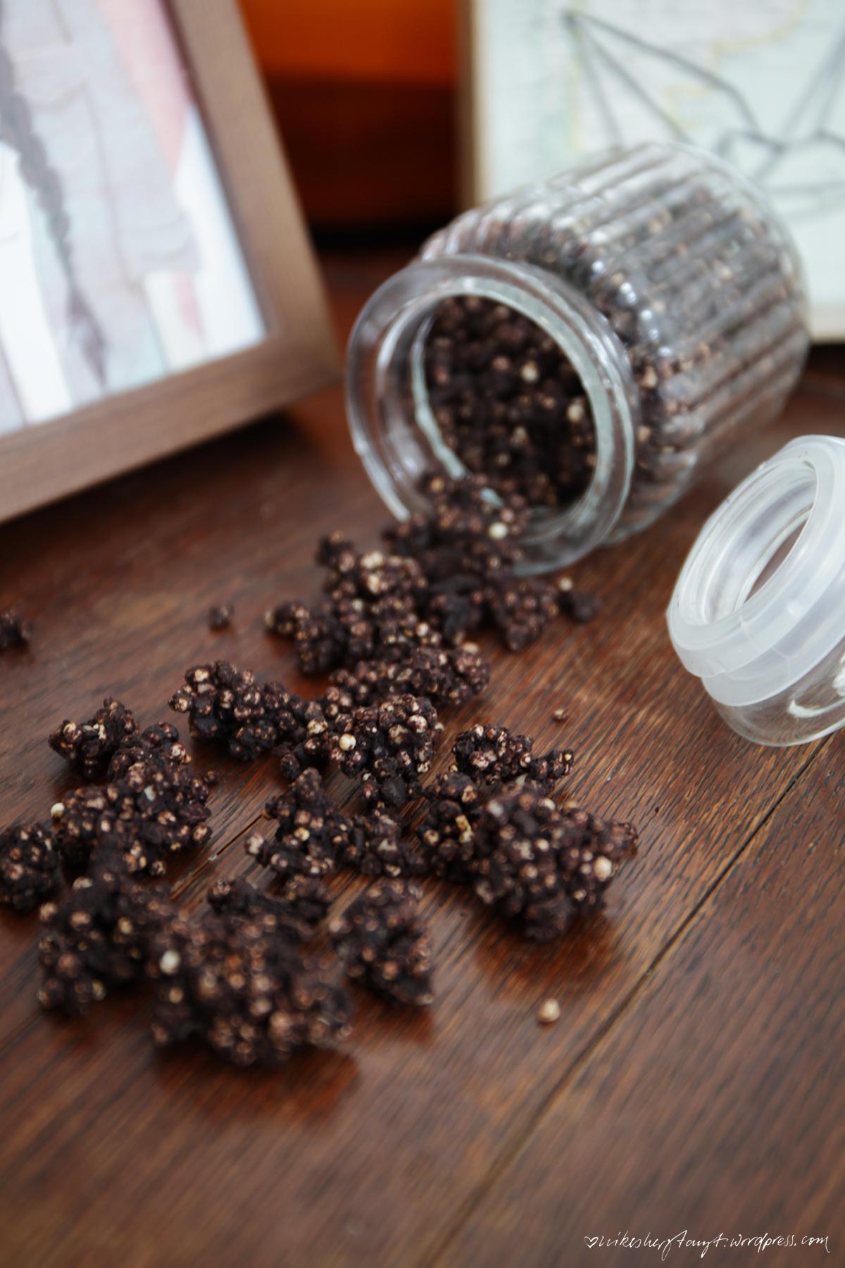 amaranth-quinoa-schoko-crunch,schoko crossies für erwachsene, amaranth, quinoa, kakaobutter, mandeln, crunch, nikesherztanzt
