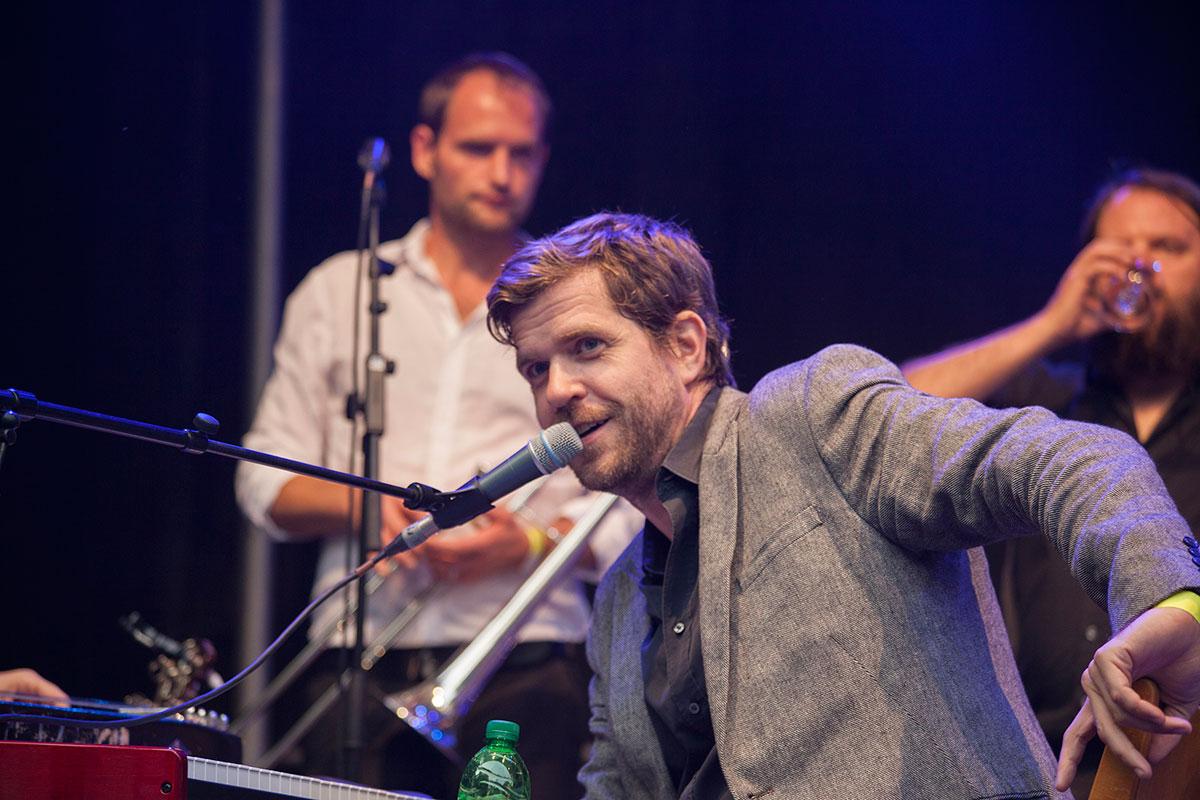 folklore fest an der alten kirche in krefeld, august 2015, musikfestival, niederrhein, nikesherztanzt, the great bertholinis,