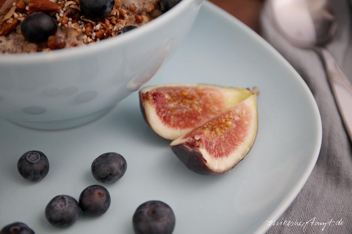 buchweizen, porridge, buckwheat, blaubeeren, feigen, vegan, frühstück, breakfast, food, blog, nikesherztanzt