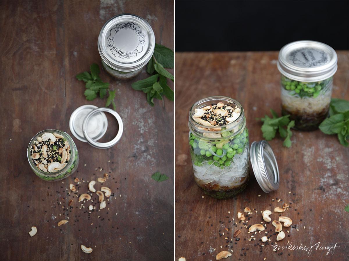 asia-glasnudelsalat, pause im glas, salat im glas, avocado, koriander, sesam, salat, food, vegan, nikesherztanzt