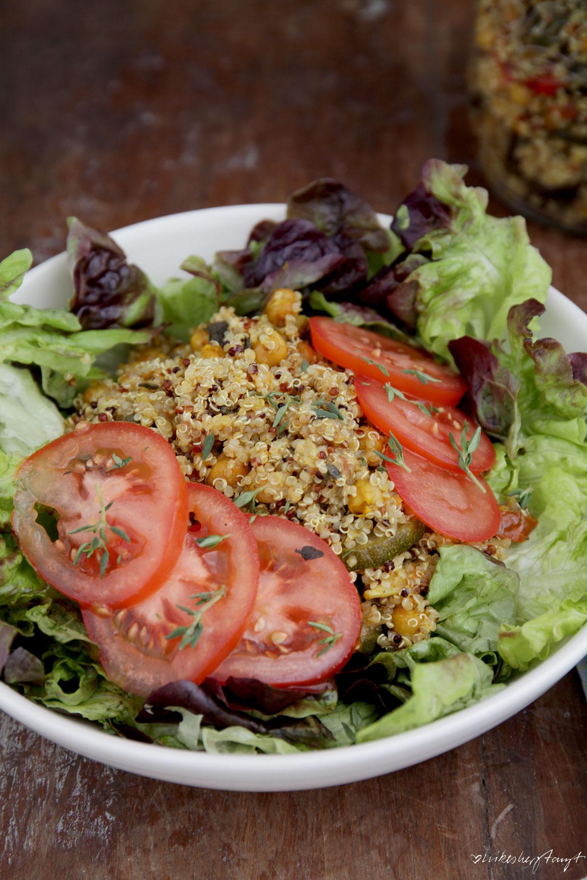 quinoa, salat, mittagspause, salat im glas, vegan, vegetarisch, veggie, healthy food, gesund, food blog, nikesherztanzt