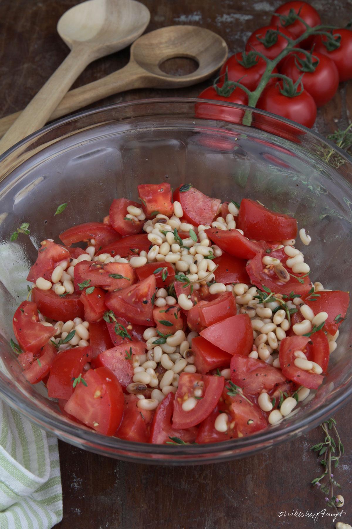 trasimener böhnchen mit tomaten und thymian, salat, veggie, vegan, food, blog, nikesherztanzt