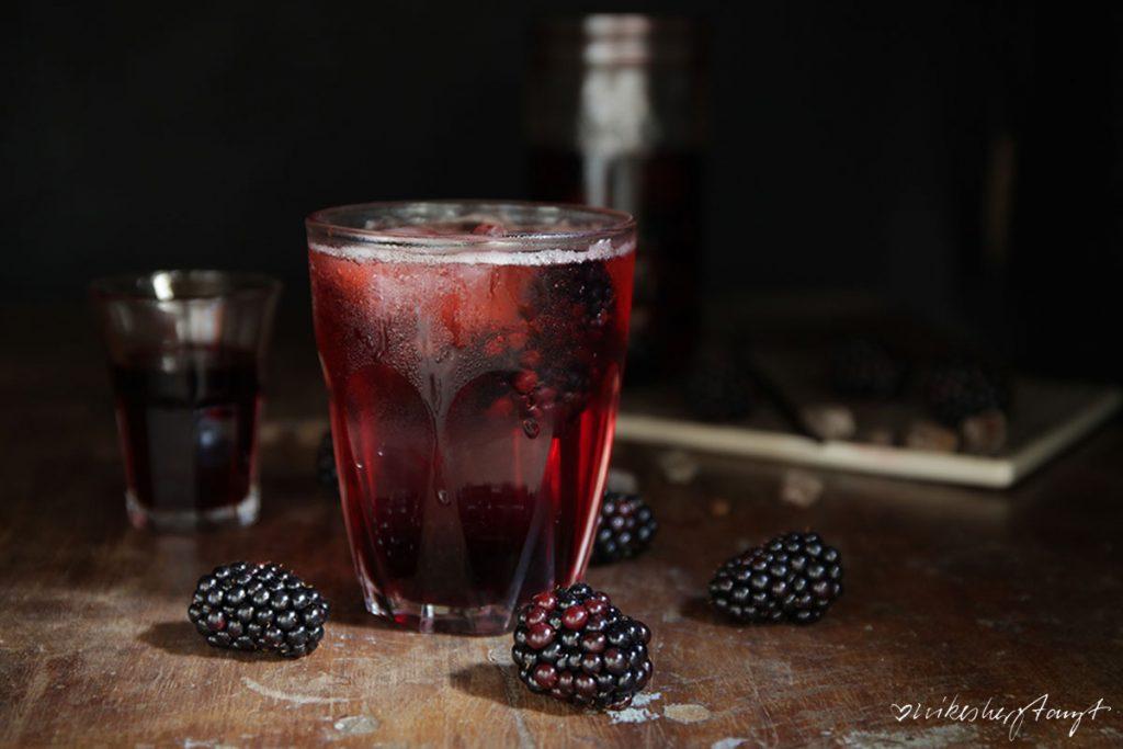 brombeer, gin, schnaps, #pinnchenimglas, alkohol, gin und tonic, very berry, food, blog, nikesherztanzt