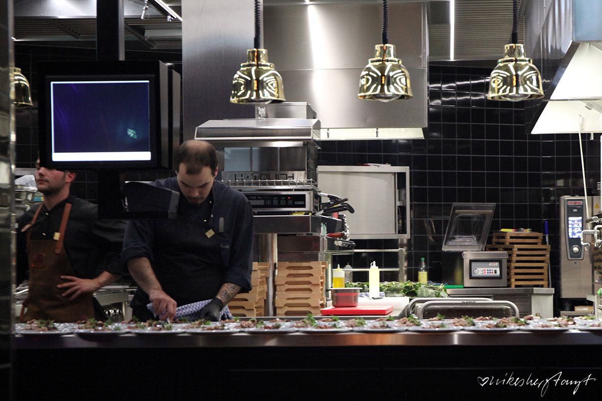 HOHOFFS 800°, Golden Cage, Hagen, Gourmettempel, The Grand Central Bar, Track 61, Restaurant, Fleisch, Eröffnung, Food, Blog, Steak, New York, 20erJahre, Elbershallen