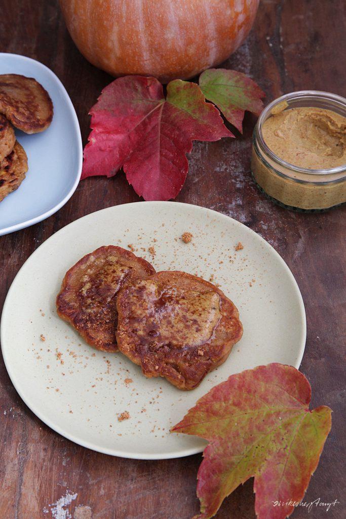 Kürbis, Pancakes, Pfannkuchen, Pumpkin Spice, Herbst, vegan, Food, Blog, nikesherztanzt,