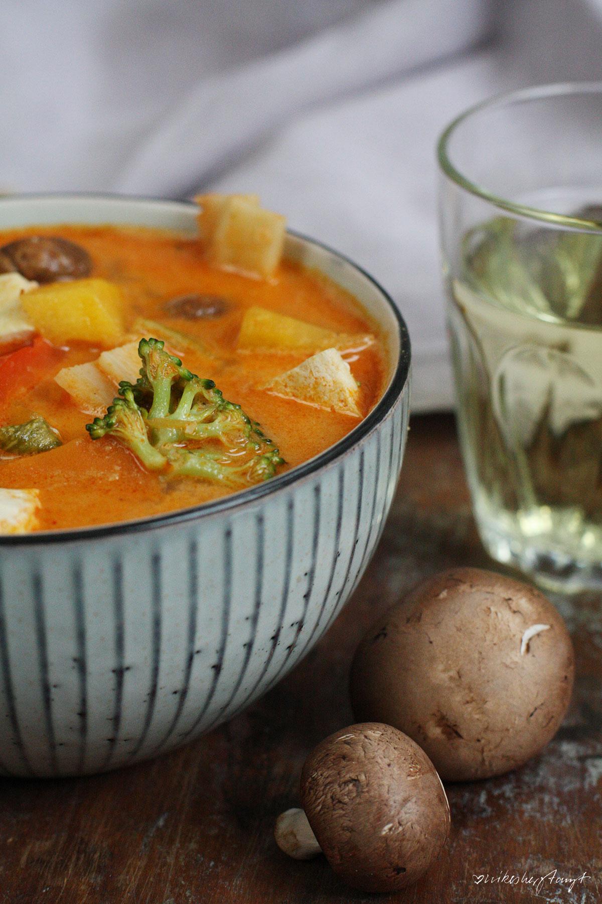 soupy season, soupy kaspar, suppenliebe, rotes thai curry, vegan, veggie, thai, food, blog, nikesherztanzt