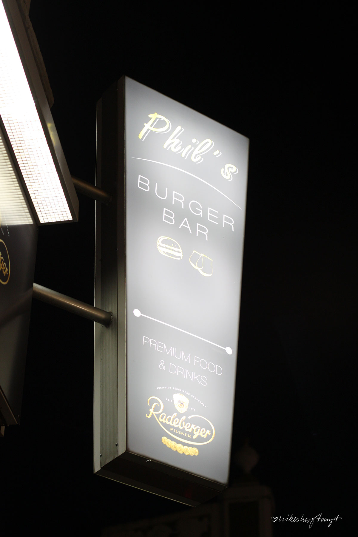 phil´s burger bar in krefeld, premium food & drinks, krefeld, #nikeskrefeld, beste burger, essen gehen in krefeld, food, blog