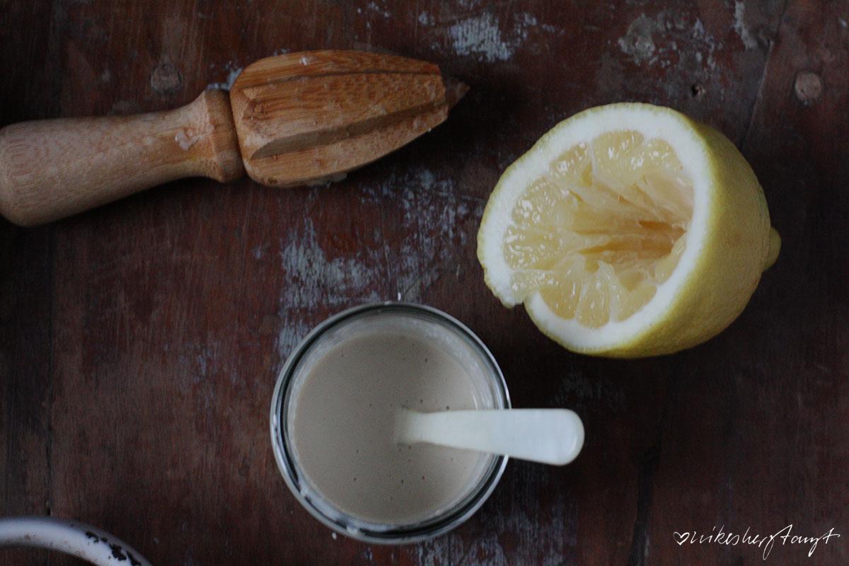 gerösteter blumenkohl mit kichererbsen, tahine & granatapfelkernen