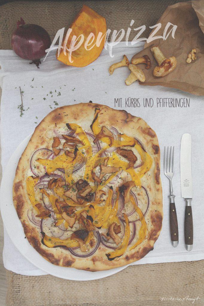 vegane alpenpizza mit kürbis und pfifferlingen // nikesherztanzt