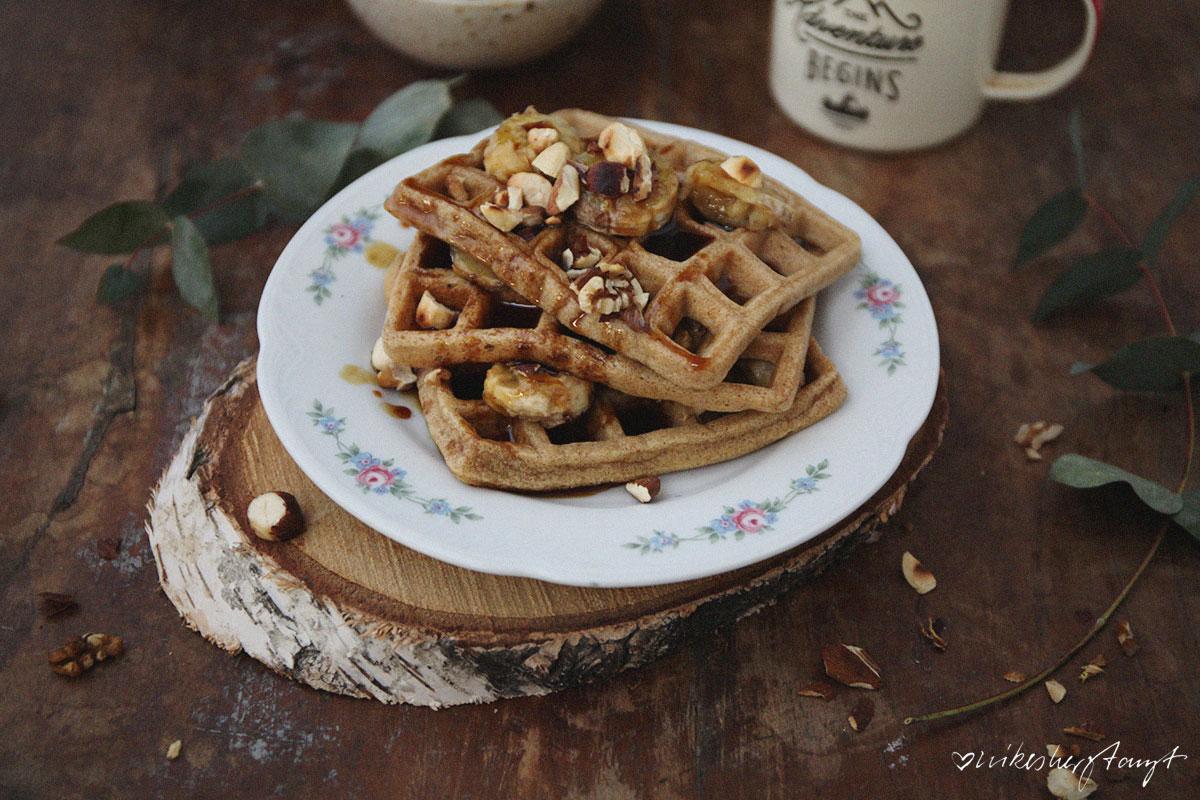 waffeln mit salziger butterscotchsauce, taste the wild. // nikesherztanzt